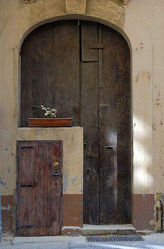 Door in Door - Valletta, Malta [photo by Morten Bjerregaard]