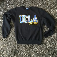 UCLA Bruins College Sweatshirt Sweat shirt gently used Tops Sweatshirts & Hoodies