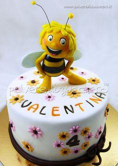 cake bee Maia - by PolverediZucchero @ CakesDecor.com - cake decorating website