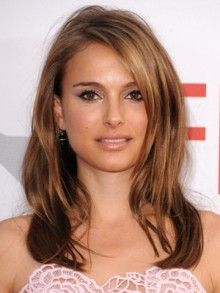 honey highlights on dark brown hair This look is very natural and lends great color depth.
