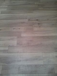 Ceramico imitacion madera #Porcelanosa Hardwood Floors, Flooring, Home Projects, Sweet Home, Texture, Porches, House, Patterns, Bathroom