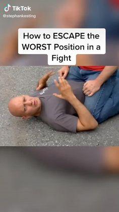 Fight Techniques, Martial Arts Techniques, Self Defense Techniques, Self Defense Moves, Self Defense Martial Arts, Martial Arts Workout, Martial Arts Training, Survival Life Hacks, Survival Skills