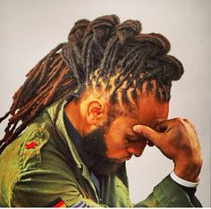 Let& take a look at some black men dreadlocks hairstyles pictures. If you are a guy looking to start some dreads this post is it and women will love you. Dreads Styles, Dreadlock Styles, Braid Styles, Men Loc Styles, Dreadlock Hairstyles For Men, African Hairstyles, Hairstyles With Bangs, Braided Hairstyles, Black Hairstyles
