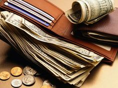 Best ways to carry money while traveling