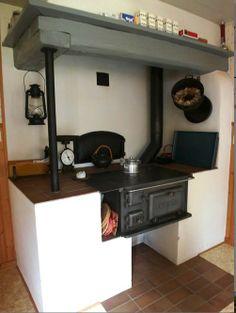 Range Cookers That Heat Radiators Range Cooker Free Hood Swedish Kitchen, Country Kitchen, Solid Fuel Stove, Range Cooker, Wood Burner, Interior Garden, Herd, Food Preparation, My Room