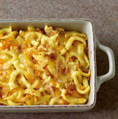 Käse-Spätzle sind schon so eine Wucht, aber mit geraspeltem Kürbis und Zwiebeln wird daraus ein echter Herbst-Schmaus.
