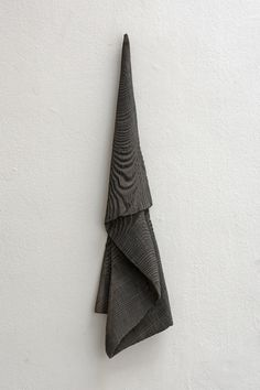 contemporary wood sculpture Contemporary Sculpture, Wood Sculpture, Home Decor, Decoration Home, Room Decor, Home Interior Design, Home Decoration, Interior Design