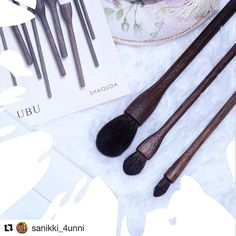 #Repost @sanikki_4unni with @repostapp  Thanks to the Japanese makeup brush lovers on #Instagram I now own three of the #Shaquda makeup brushes. I want to try them as soon as I do my pre use wash. Absolutely cannot wait . I have to extend many thanks again to the awesome @fudejapan who made it so easy for me to get them . Let us hear from the brush and makeup lovers how much they like these #Shaquda brushes. #Japan #Japanese #makeupbrushes #brushlovers #makeuplovers #makeuplove #beauty…