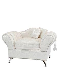 A Loja do Gato Preto | Guarda-Jóias Sofá Tecido Bege #alojadogatopreto Chesterfield Chair, Armchair, Love Seat, Accent Chairs, Couch, Furniture, Home Decor, Moldings, Farmhouse Rugs