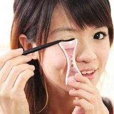 Anti-tremor Eyeliner Card Aid Tool Helper Beauty Gadgets (PINK)   Sammydress.com Mobile