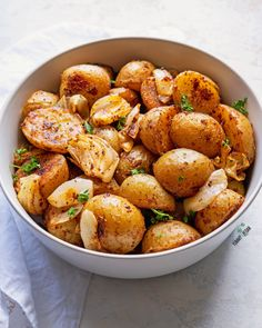 Sumac Roasted Potatoes — The Yummy Vegan Eastern Cuisine, Roasted Potatoes, Vegan Butter, Appetizers For Party, A Food, Food Processor Recipes, Vegan Recipes, Lunch, Stuffed Peppers