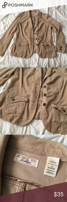 Levi Strauss Vintage Corduroy Tan Button Jacket Levi Strauss Vintage Corduroy Tan Button Down Jacket size Large - some discoloration on tag, otherwise excellent condition! Front pockets & structured build details  ----- 🚭 All items are from a non-smoking home. 👆🏻Item is as described, feel free to ask questions. 📦 I am a fast shipper with excellent ratings. 👗I love bundles & bundle discounts. Feel free to make an offer! 😍 Like this item? Check out the rest of my closet! 💖 Thanks for…