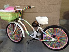 Nice biker at Target told me she decorated her bike in anticipation of attending burning man. Love the neon spoke lights! Rainbow Bike, Bike Decorations, Bike Parade, Burning Man Fashion, Bike Trailer, Gear S, Yarn Bombing, Co Working, Bike Art