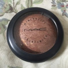 MAC MSF Shooting Star Mineralize skinfinish auth Authentic MAC MSF purchased by me at MAC during the original release. This has been tested 2 times..it is not absolutely brand new, but close. Price firm on Posh. No box MAC Cosmetics Makeup Bronzer