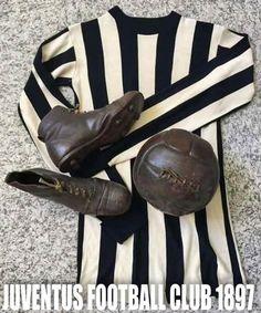 Juventus Soccer, Juventus Fc, Sport, Athletes, Leather, Sports, Shirts, Football Soccer, Deporte
