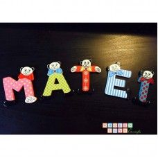 Litere colorate Toy Craft, Wooden Toys, Triangle, Crafts, Wooden Toy Plans, Wood Toys, Manualidades, Woodworking Toys, Handmade Crafts