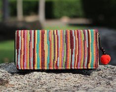 Hippie, Boho & Tribal Handmade bags and Accessories by TribalandHipster Vegan Wallet, Cute Wallets, What's Your Style, Models, Wristlet Wallet, Long Wallet, Wooden Beads, Wallets For Women, Bunt