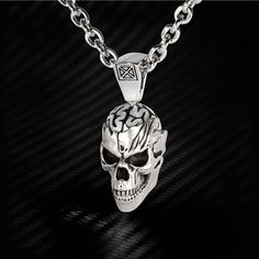 A sterling silver skull smiles at you on this maniacally macabre men's skull necklace from Ecks. He's definitely smarter than the average skull because his big bulging brain is boldly bursting through the top of his hollow head. Mens Silver Necklace, Skull Necklace, Skull Jewelry, Men Necklace, Sterling Silver Jewelry, Gold Jewelry, Bff Necklaces, Tiffany Jewelry, Chain Jewelry