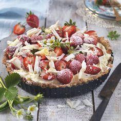 Jordgubbspaj med vit chokladkräm - Mitt kök