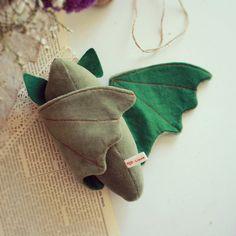 Murciélago de peluche verde por LellecoShop #murciélago #bat #softie #peluche #handmade #ecofriendly