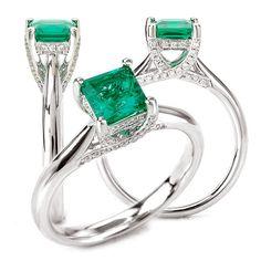 18k cultured 5.5mm princess cut emerald engagement ring with natural diamond trellis