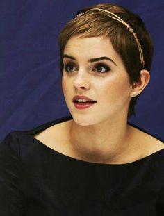 Pixie-Cut-Emma-Watson.jpg (500×659)