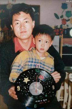 Jin w/ his Father❤️ Bts Predebut, Seokjin, Hoseok, Foto Bts, V And Jin, Princesa Peach, Les Bts, V Bts Wallpaper, Childhood Photos