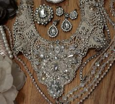 Sparkly Vintage Statement Necklace | AllFreeJewelryMaking.com - this is so elegant looking