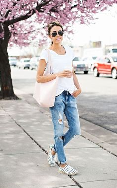 DETAILS: RELAXED WHITE TEE (WEARING SIZE SMALL)|| DISTRESSED BOYFRIEND DENIM (UNDER A $100- WEARING SIZE 25)|| BLUSH PINK TOTE (LOVE THESE COLORS) | STRIPED ESPADRILLES (ALSO WORN IN THIS POST) || SUN