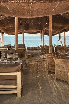 Scorpios Mykonos by Annabell Kutucu (Modedamour) Outdoor Cafe, Outdoor Living, Beach Restaurant Design, Restaurant Restaurant, Deia Mallorca, Myconos, Casa Cook, Beach Cafe, Beach Design