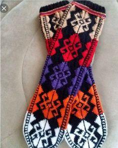Hemşin Çorabı Fair Isle Knitting, Knitting Socks, Mittens, Christmas Stockings, Crochet, Hats, Sweaters, Bracelets, Fashion