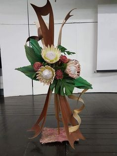 by Willa Botha Modern Floral Arrangements, Floral Centerpieces, Ikebana, Corporate Flowers, Church Flowers, Pomegranates, Florists, Arte Floral, Flower Show