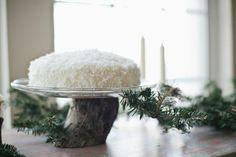 REVEL: Evergreen   Coconut Wedding Cake