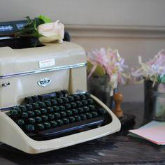 Livre d'or machine à écrire
