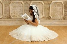 Layered Bridal veil Two tier with beaded lace by VanyaBvlgari