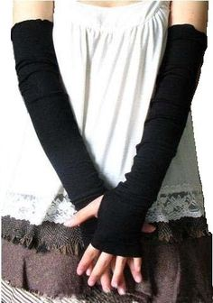 Pretty Arm Warmer Fingerless Gloves | Lisa Klein Weber: Good Mom - Bad Housekeeper