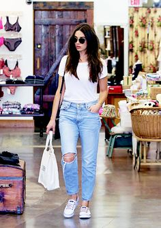 Crystal Reed shops in Los Angeles, California on March 22, 2016