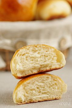Soft and irresistible sourdough brioche Sourdough Brioche Recipe, Brioche Bread, Sourdough Recipes, Sourdough Bread, Portuguese Sweet Bread, Donuts, Anti Inflammatory Recipes, Cooking Chef, Bread Baking