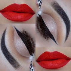 Classic Makeup Look for Christmas - Black Eyeliner and Red Lips