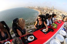 10 Unusual Ideas to Add to your Bucket List - Enjoy a 'Dinner in the Sky'