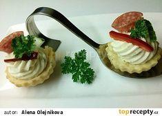 Slané košíčky s Nivou recept - TopRecepty.cz Ham, Camembert Cheese, Ethnic Recipes, Food, Hams, Essen, Meals, Yemek, Eten