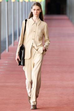 Lemaire Fall 2015 Ready-to-Wear Collection Photos - Vogue