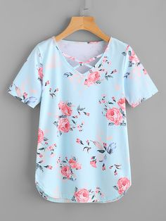 Shop Florals Criss Cross V-neckline Tee online. SheIn offers Florals Criss Cross V-neckline Tee & more to fit your fashionable needs. Girls Fashion Clothes, Toddler Girl Outfits, Outfits For Teens, Girl Fashion, Fashion Dresses, Dressy Casual Outfits, Trendy Outfits, Cute Outfits, Bras For Backless Dresses