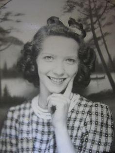 VINTAGE ANTIQUE WW2 ERA AMERICAN BEAUTY CUTEY OUTDOORSMAN OLD PHOTOBOOTH PHOTO | eBay