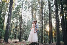 bride and groom | Yosemite forest wedding | Photo: Othello Silla Photography