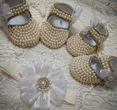 Cute pearl shoes for baby girls