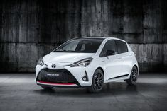 Toyota Yaris GR Sport : l'hybride s'encanaille au Mondial de Paris (+ photos) Toyota Yaris GR Sport: the hybrid is grappling at the Mondial de Paris (+ photos) Toyota Cars, Toyota Prius, Toyota Corolla, Mazda 2, Chevrolet Cruze, New Engine, Used Cars, Dream Cars, Automobile