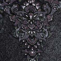 Google képkeresési találat: http://www.couturebeading.com/slides/img2.jpg