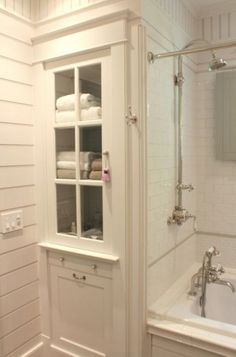 Awesome 37 Vintage Farmhouse Bathroom Remodel Ideas On A Budget. Source by hhaganjones The post Awesome 37 Vintage Farmhouse Bathroom Remodel Ideas On A Budget. appeared first on Rosa Home Decor. Bathroom Linen Cabinet, Laundry In Bathroom, Bathroom Closet, Master Bathroom, White Bathroom, Laundry Rooms, Laundry Shoot, Bathroom Mirrors, Laundry Hamper
