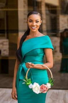 Bridesmaid Dress Colors, Long Bridesmaid Dresses, Kids Dress Wear, Lace Dress Styles, Maid Of Honour Dresses, Maid Outfit, Bridal Makeup Looks, Satin Color, Latest African Fashion Dresses